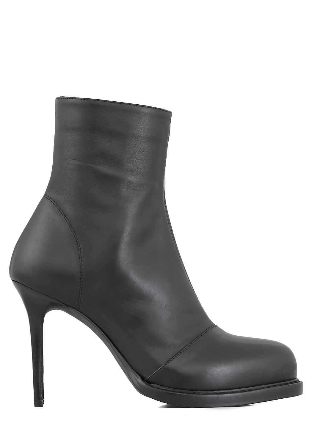 High-heel ankle lenght boots
