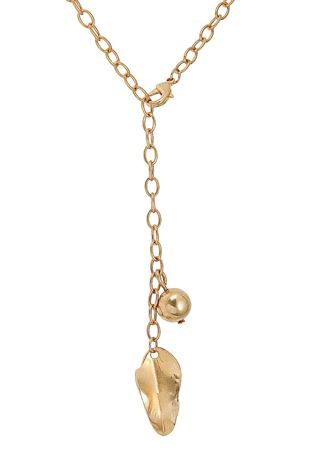 Collana con catena dorata e pendenti