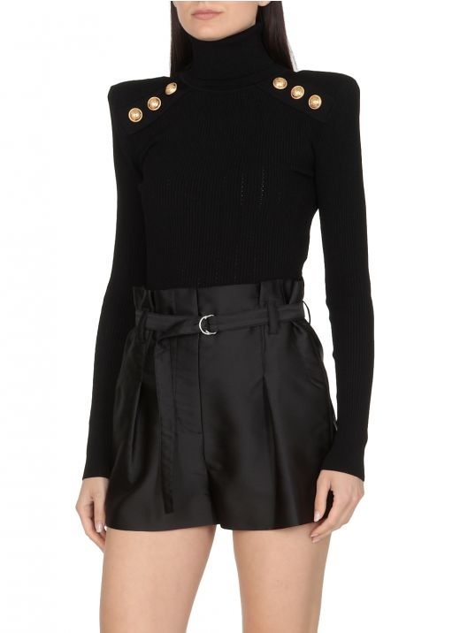 Knitted pullover with golden buttons
