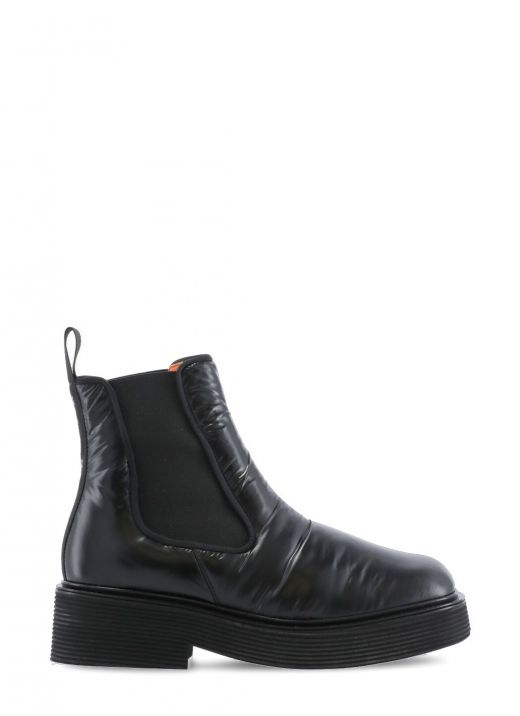 Boot with side elastic