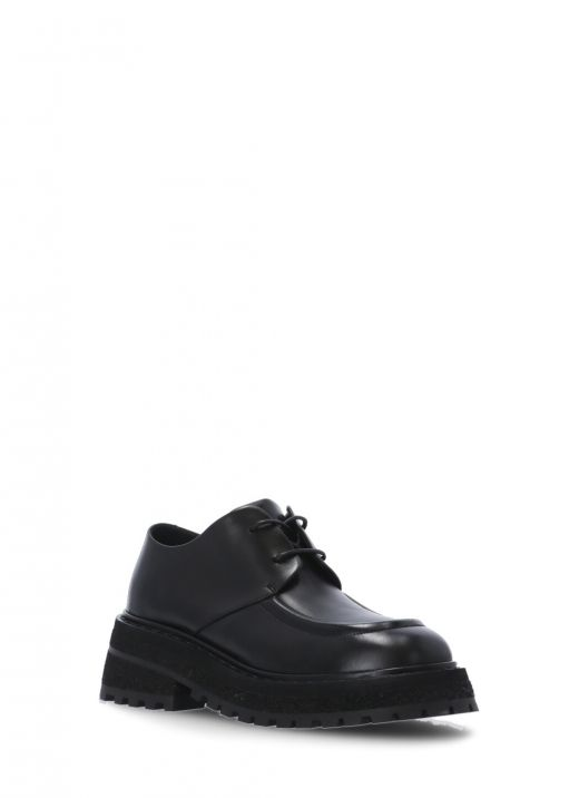 Leather lace up shoe