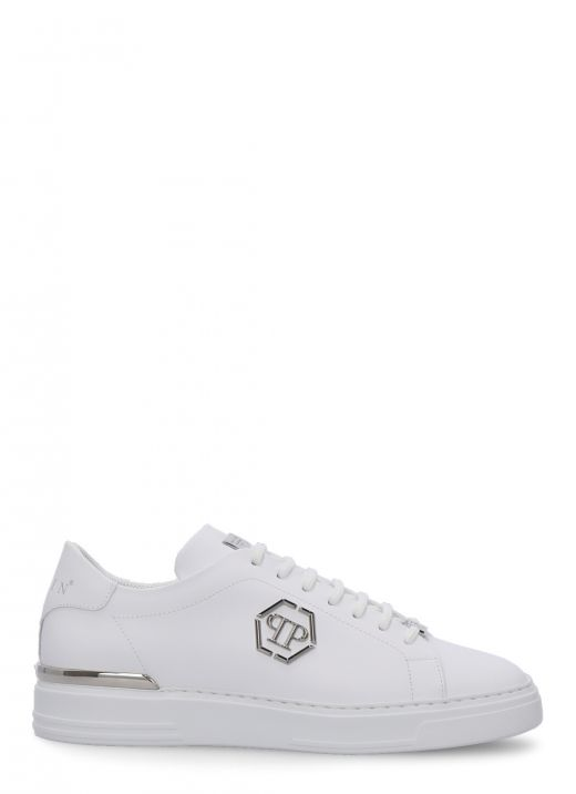 Smooth leather sneaker