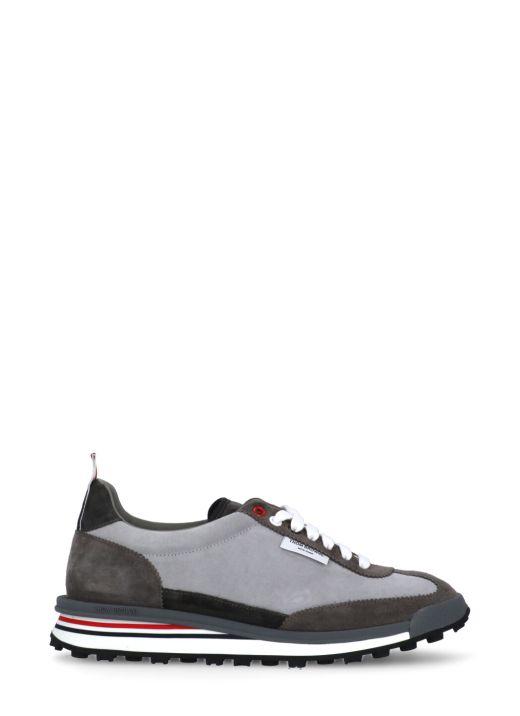 Sneaker tech runner
