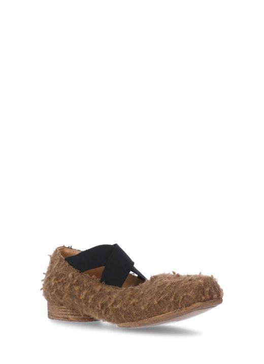 Felted leather flat shoe
