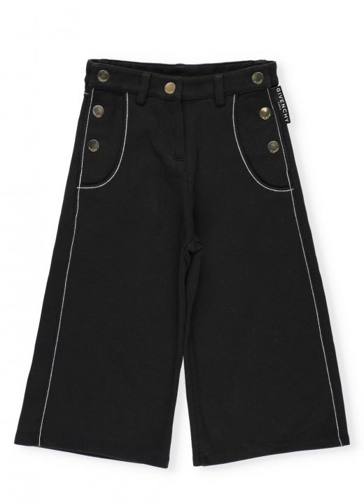 Bermuda short with golden loged buttons