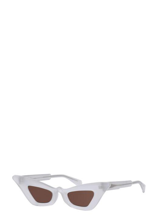 Pearl effect sunglasses