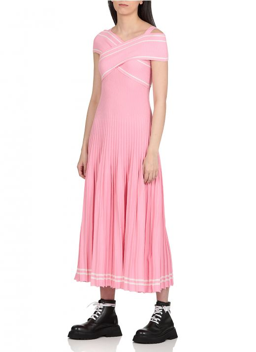 Crossed and pleated knitted dress